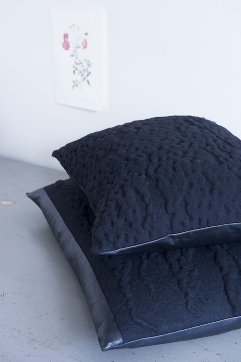 Viltlab_cushions_the_dark_side